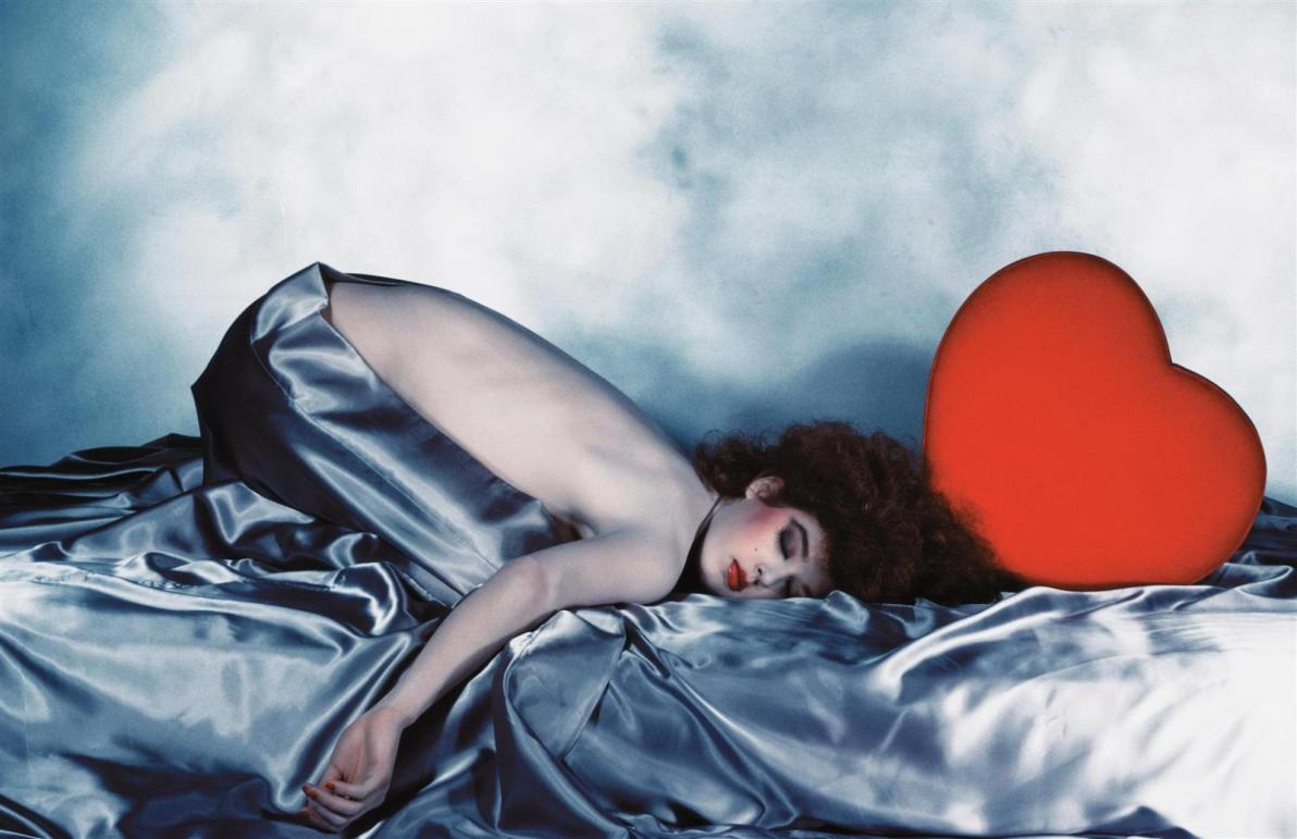 http://boxandline.files.wordpress.com/2010/08/guy-bourdin-large_13.jpg